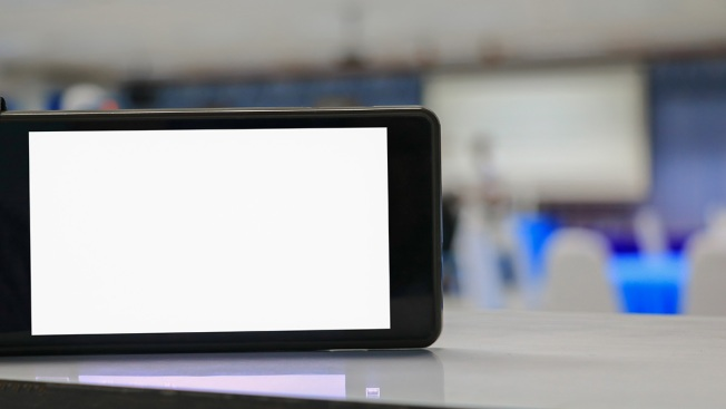 Cellphones Gaining Acceptance Inside US Schools: Survey