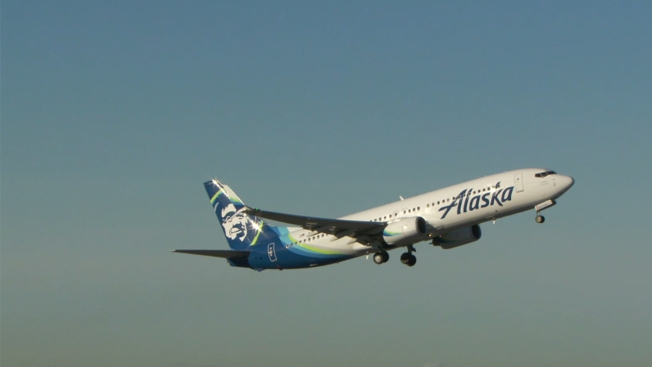 Burning smell, fumes diverts Alaska Airlines flight to KCI