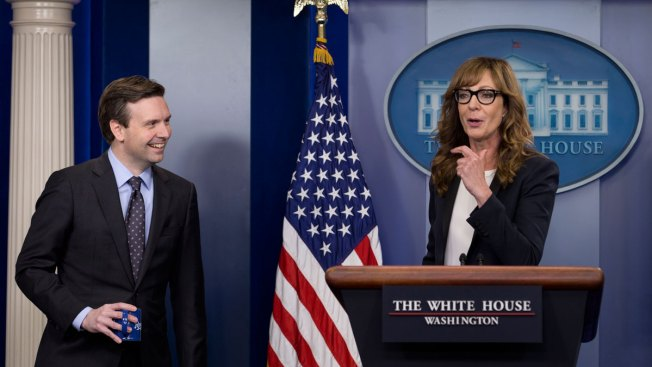 "Allison Janney, Former Star of ""The West Wing,"" Greets White House Reporters"