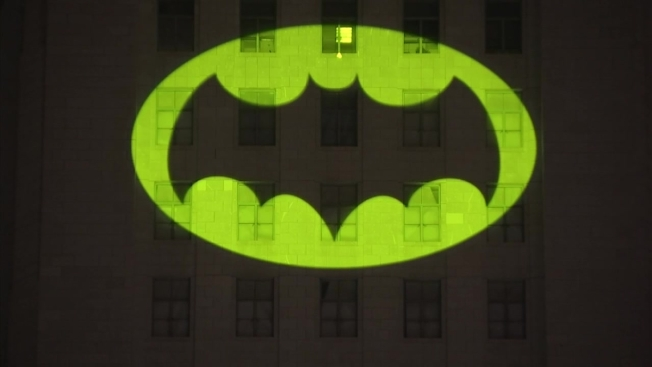 [NATL-LA] Photos: LA City Hall Lights Up Bat-Signal for Adam West