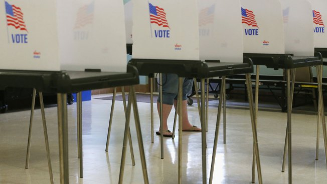 Florida Democratic Party Suing State, Seeking Extension of Voter Registration Deadline