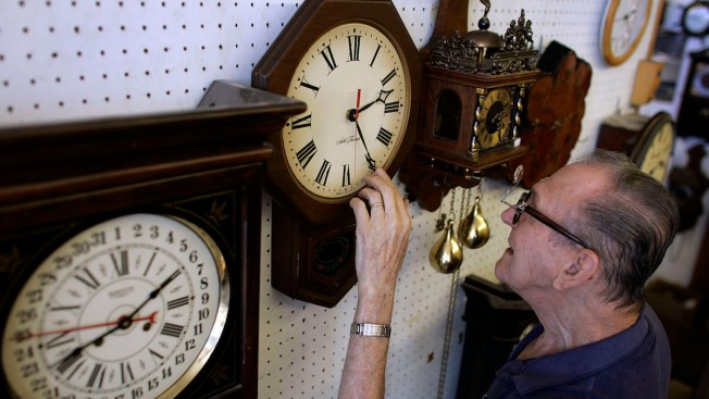'Fall Back' 1 Hour: Daylight Saving Time Ends Sunday
