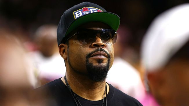 Ice Cube Puts a Spin on 'Take Me Out to the Ballgame' at Cubs Game