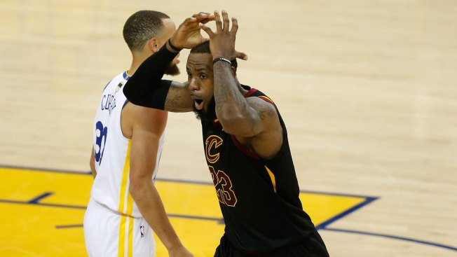 How JR Smith s Blunder at Warriors vs. Cavs Game 1 Became a Meme ... e45b69443