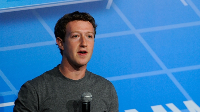 Zuckerberg: That Facebook Influenced Election is 'Crazy'