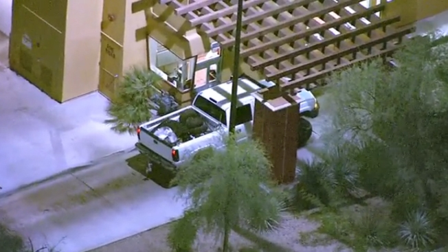 Man Sought by Phoenix Police Stops for Food During Pursuit