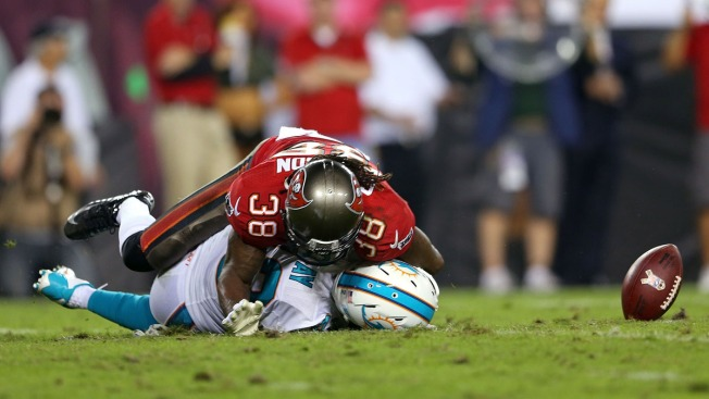 Miami Dolphins Beaten By Previously Winless Buccaneers, 22-19