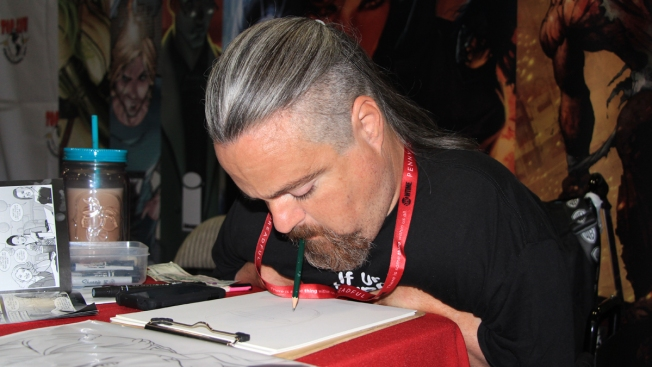 Comic-Con Artist Draws Masterpieces Using His Mouth