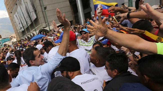 Venezuela Street Rallies Show Deep Divide in Power Struggle