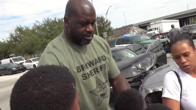Deputy Shaq Comforts Family After Accident On Thanksgiving