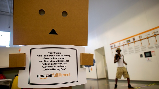 'We Are Totally Happy': Amazon 'FC Ambassadors' Defend Fulfillment Centers on Twitter