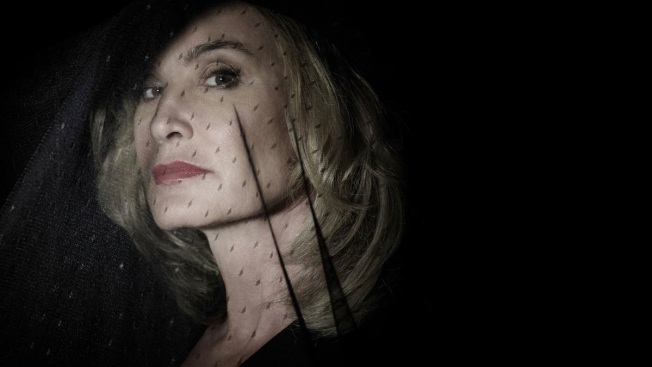 "Jessica Lange to Exit ""American Horror Story"" After Next Season"