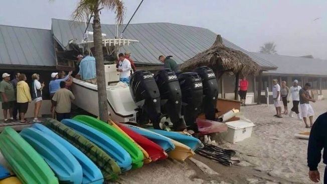 Boat Runs Aground in Fog, Hits Tampa Area Restaurant