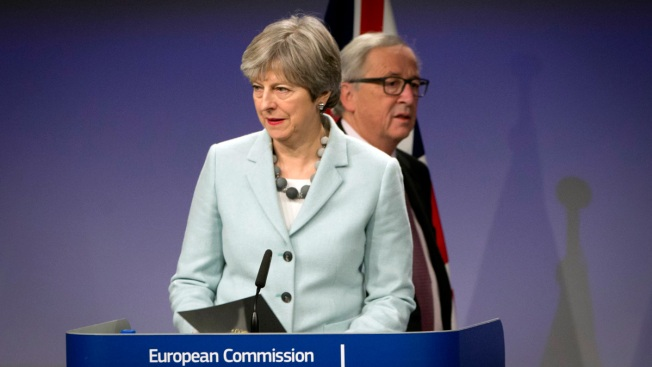 UK, EU Claim Brexit Breakthrough; Eye Talks on Future Ties