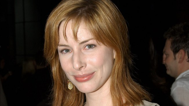 Dong Dong: Former 'Law & Order: SVU' Star Diane Neal Running for Congress