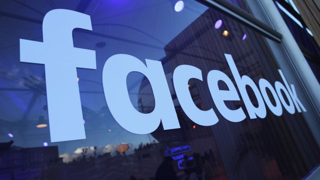 Facebook Shuts Down 30,000 Fake Accounts in France Ahead of Presidential Election