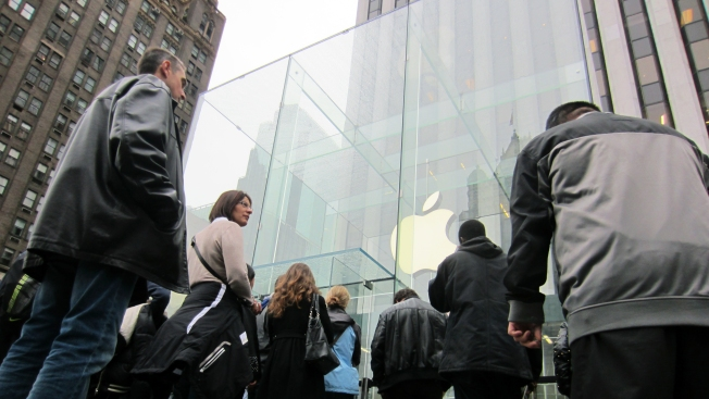 Apple Reaches Deal to Bring iPhone to China Mobile