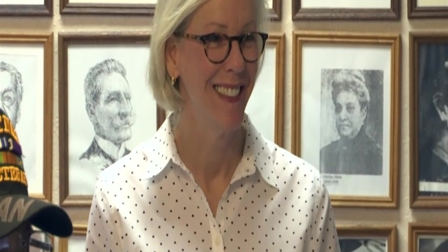 Former Police Chief Jane Castor Becomes Tampa's First Openly Gay Mayor