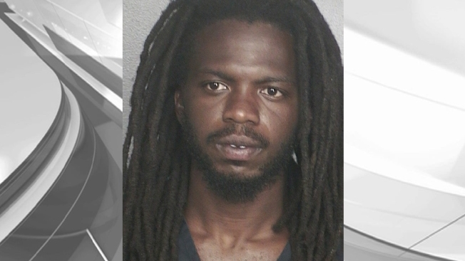Man Arrested for Allegedly Exposing Himself Outside Woman's Window 3 Times