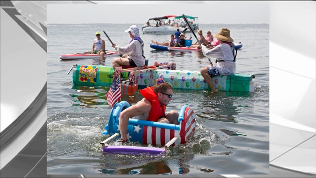 """Amateur Boat Builders Race With """"Anything That Floats"""" in Florida Keys"""