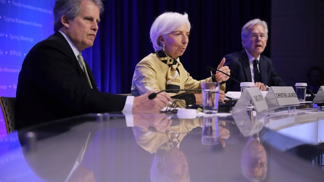 IMF Chief Lagarde Urges Countries to Settle Trade Disputes, Cut Debt