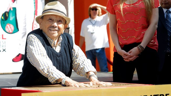 Last Surviving 'Wizard of Oz' Munchkin Jerry Maren Dies at 98