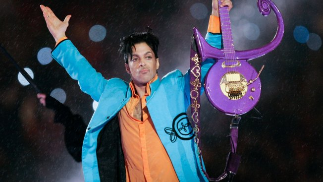 Judge Says Prince's Sister, Five Half-Siblings Are Heirs to Estate