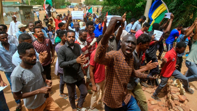 At Least 7 Dead as Sudanese Stage Protests Against Army Rule