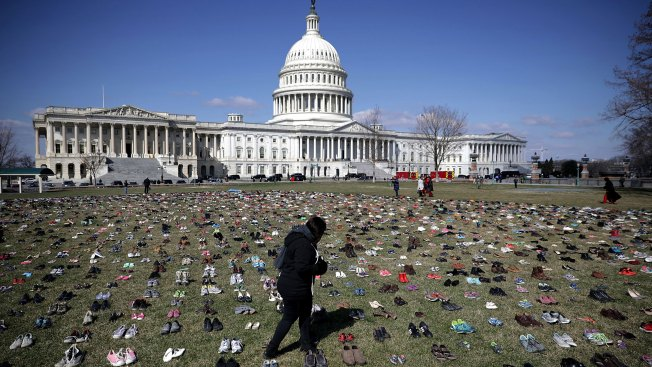 [NATL-DC]PHOTOS: Thousands of Shoes on Display Outside US Capitol as Temporary Memorial to Children Killed by Gun Violence