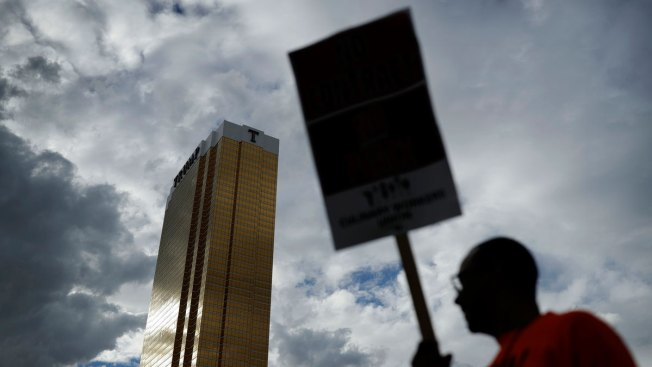 Trump Hotel Reaches Union Contract With Workers in Las Vegas