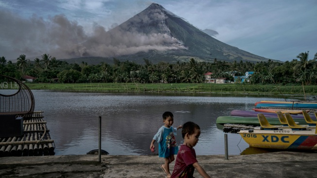Philippine Volcano Explodes, Authorities Raise Alert Level