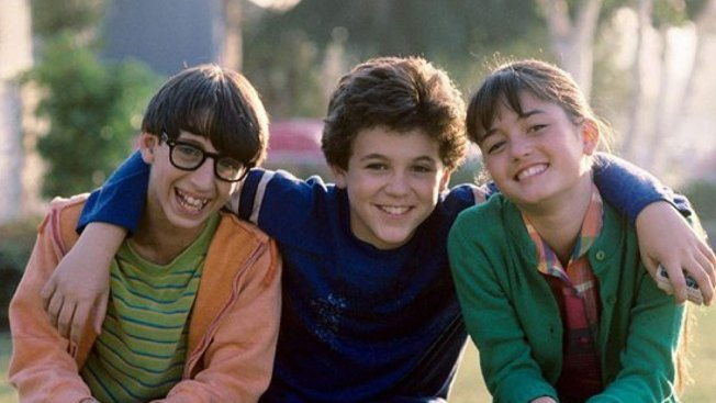 'Wonder'-ful: 'The Wonder Years' Cast Reunites in Social Media Selfie