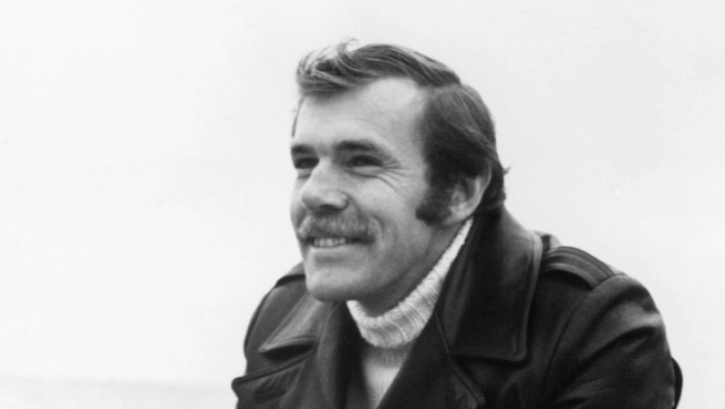 Author Richard Bach Injured in Wash. Plane Crash
