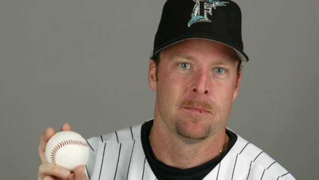 Marlins Hire Mike Redmond as Manager