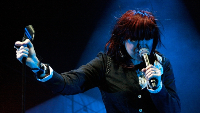 Divinyls Lead Singer Chrissy Amphlett Dead at 53