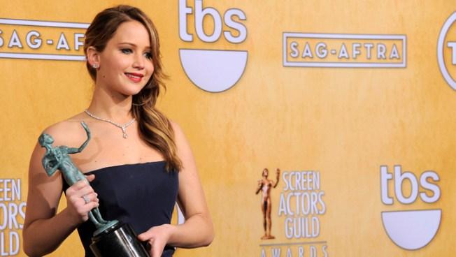 Jennifer Lawrence Talks Dress Malfunction at SAG Awards