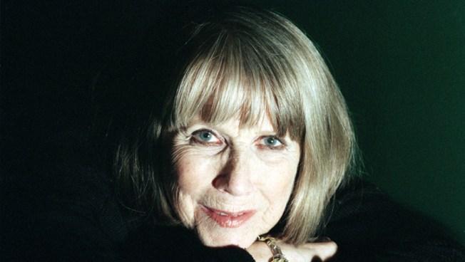 Julie Harris, Broadway Star, Dies at 87