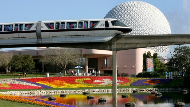 Monorail Train Evacuated at Walt Disney World