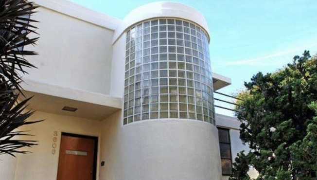 Scissor Sister Jake Shears Snatches Streamline Moderne-Style Home In Los Feliz