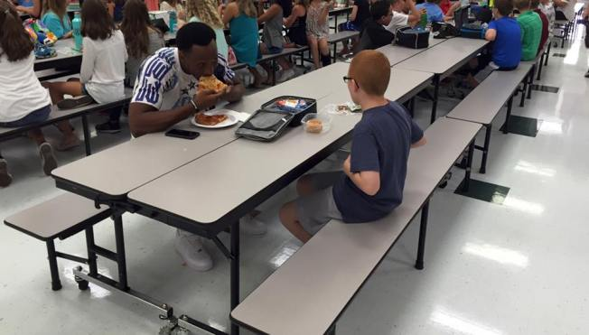 Mother of Child With Autism Posts Emotional Message, Photo of FSU Football Player Eating Lunch With Her Son