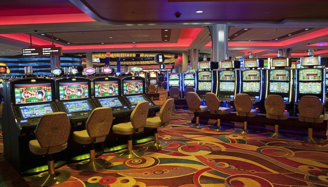 Woman Showed $43 Million Jackpot at NYC Casino Told Slot Machine Malfunctioned