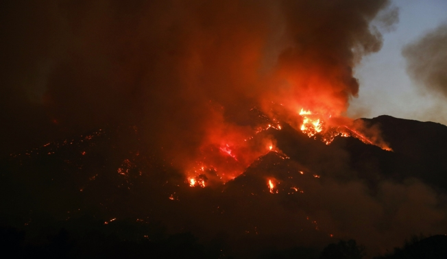 Firefighter Battling Wildfire in San Diego Loses Home in Sand Fire