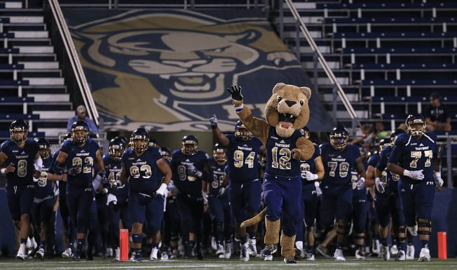 Thursday bowl primer: FIU coach Butch Davis is in the spotlight