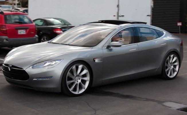 Tesla Pre- Orders Hit $3.5M