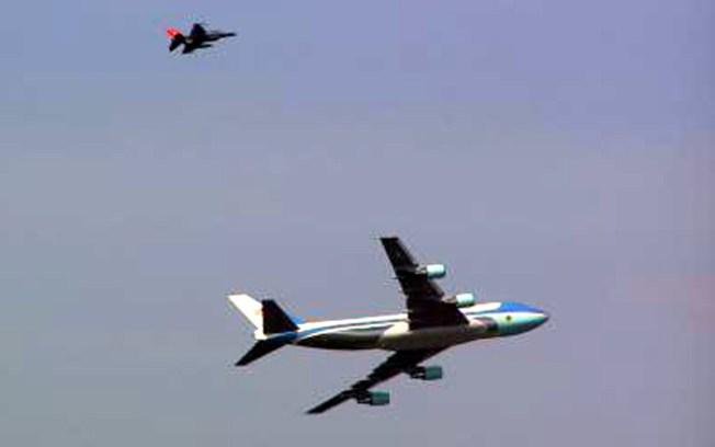 Jumbo Jet, F-16 Buzz Lady Liberty, Put New York on Edge