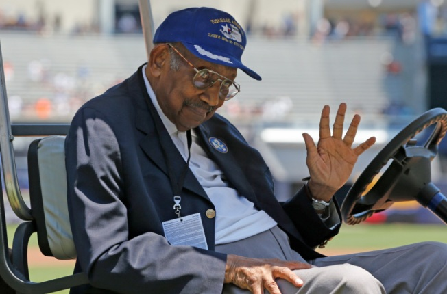 Former Tuskegee Airman Dabney Montgomery Dies at 93