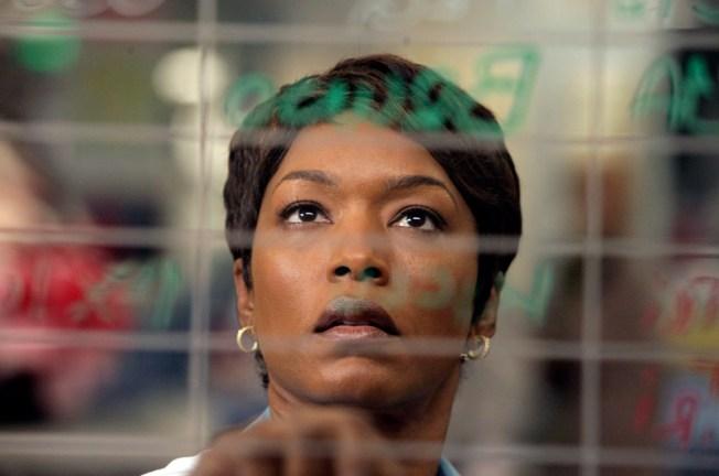 "Angela Bassett Cast in ""Green Lantern"""