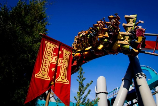 Universal closing Dragon Challenge for new Harry Potter ride