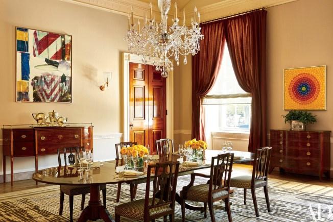 [NATL] Take a Peek Inside Living Quarters at the White House