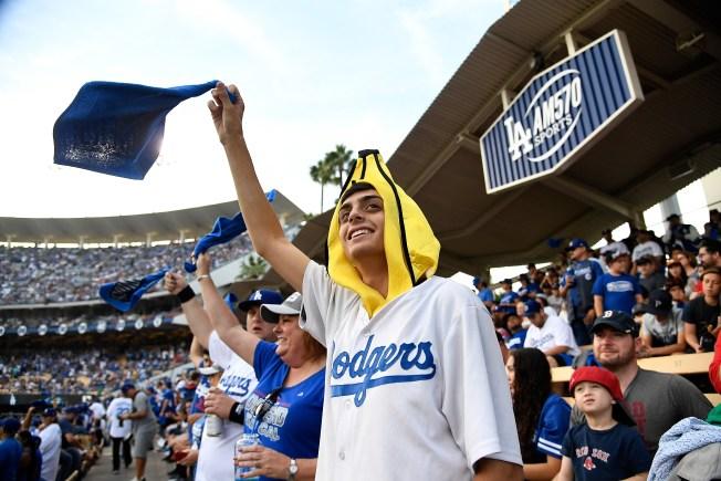 [la gallery] True Blue Dodger Fans in Photos